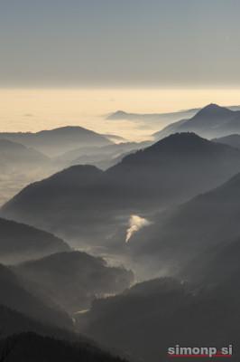 Jutranji pogled na dolino