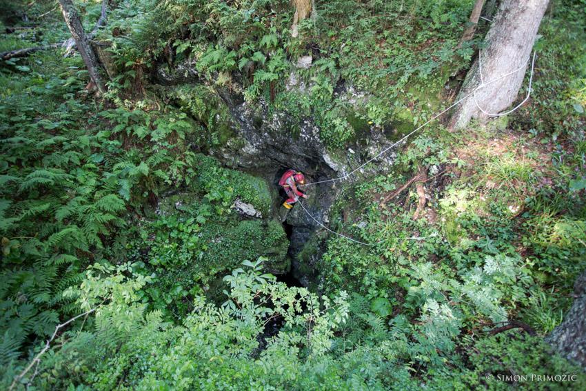 Walter opremi prvih nekaj metrov do štrika