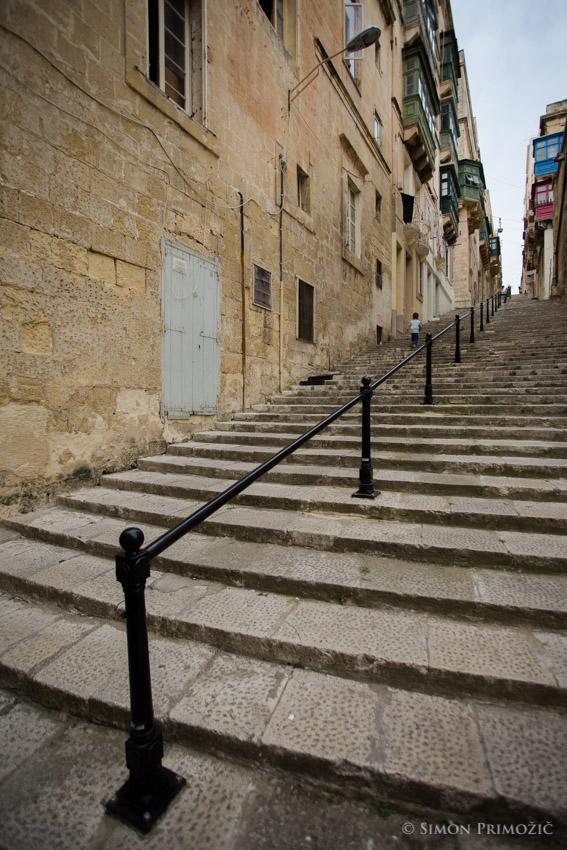 Stopnice - vmes pa uličice
