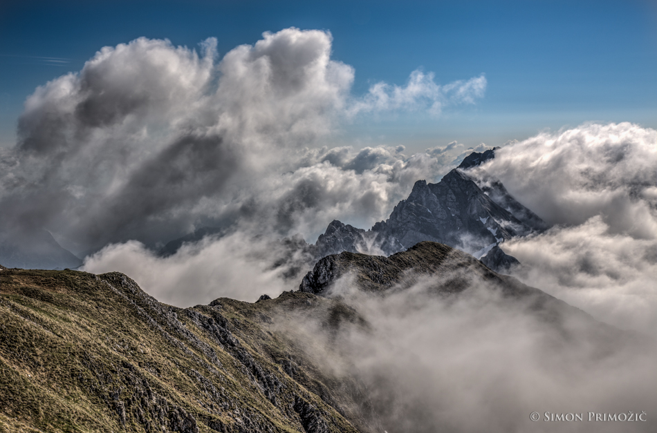 Igra meglic in oblakov