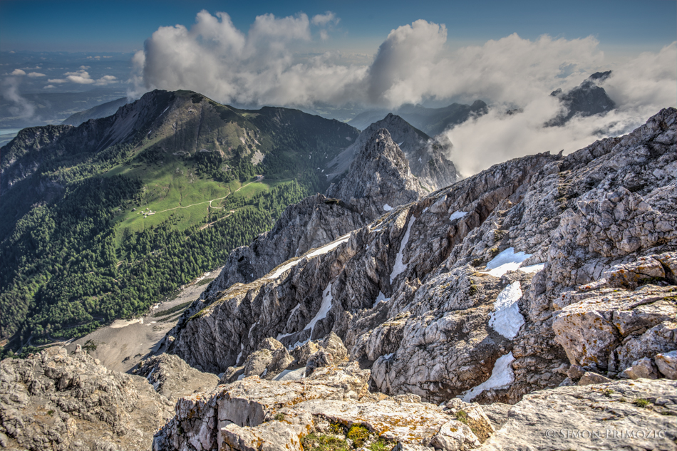 Pogled z vrha onkraj meje