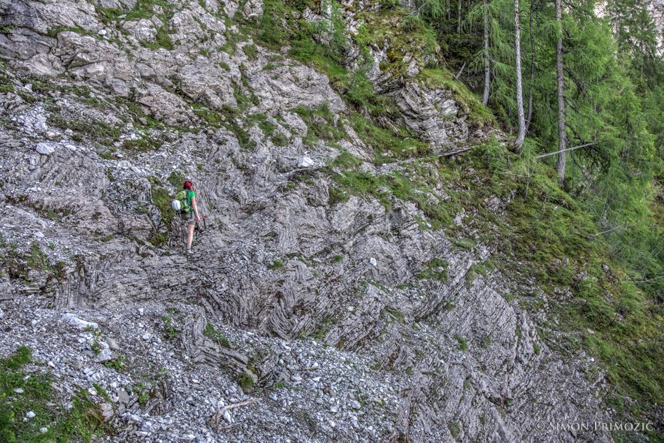 Zanimivo skalovje