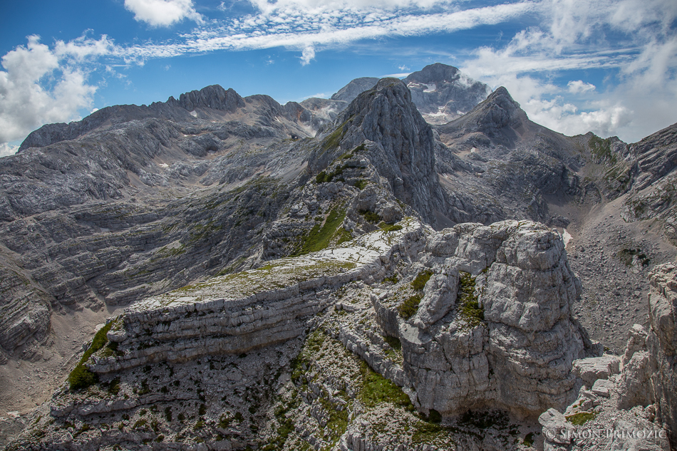 Razgled z vrha proti Triglavu